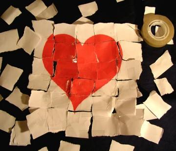 Những mảnh tim vỡ